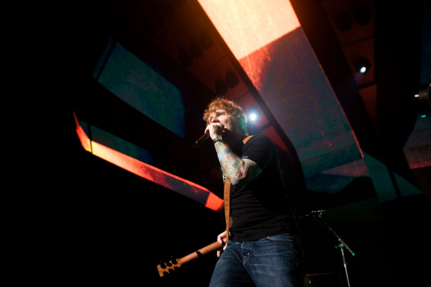 0812_OCR-L-SHEERAN-WBOX_06.JPG